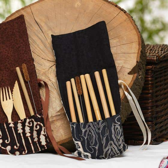 Six Bamboo Straws With Pouch and Brush - Black